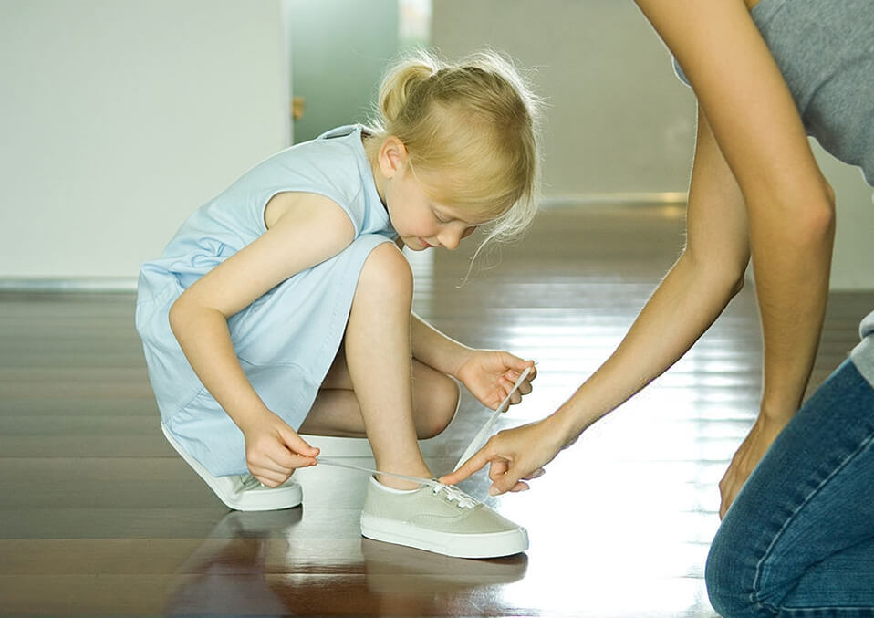 Teach Kids How to Tie Their Shoes