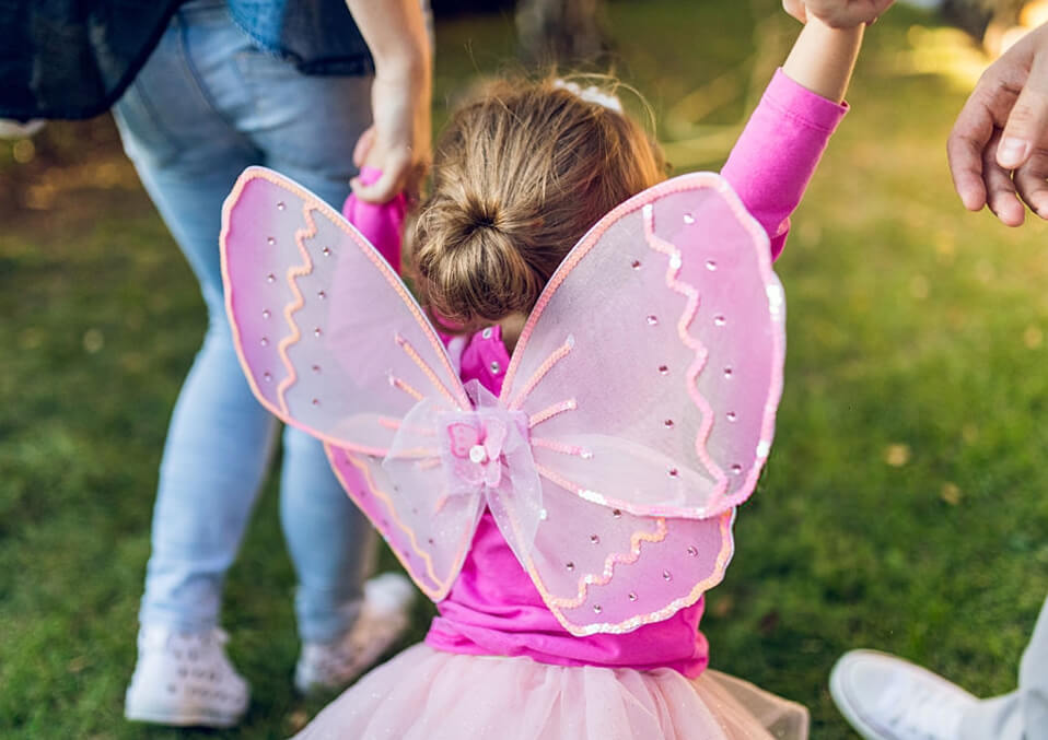 Steps on creating homemade toddler fairy wings
