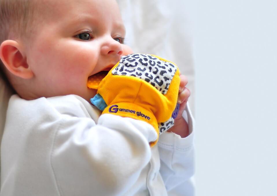 Teething in Babies: The Best Silicone Teething Baby Gloves