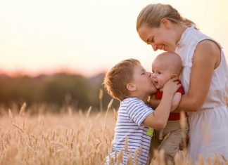 Second-Time Parenting - 6 Effective Ways on How to Balance a Newborn and a Toddler